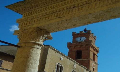 Zdjecie WłOCHY / Toskania / Wieża ratusza / Pienza