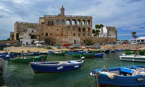 WłOCHY / Apulia / Polignano a Mare / Abbazia di San Vito Martire
