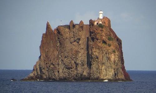 Zdjęcie WłOCHY / Wyspy Liparyjskie / Stromboli / wysepka Strombolicchio