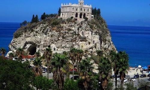 Zdjęcie WłOCHY / Kalabria / Tropea / kościół  Św. Marii na wyspie