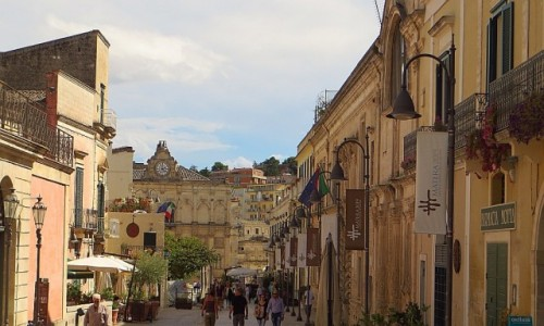 Zdjęcie WłOCHY / Basilicata / Matera / Nowe Miasto - uliczka