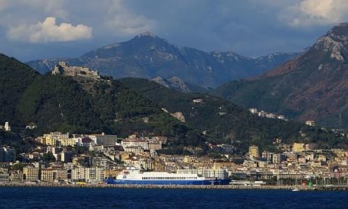 Zdjecie WłOCHY / Kampania / Salerno / panorama Salerno od strony morza
