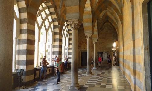 Zdjęcie WłOCHY / Kampania / Amalfi / wejście do katedry