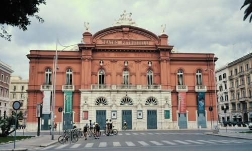 Zdjecie WłOCHY / Apulia / Bari / Teatr Petruzzelli w Bari