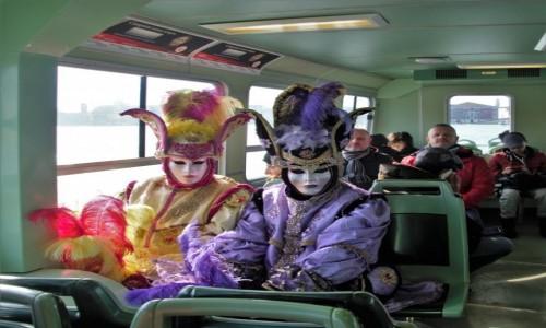 Zdjecie WłOCHY / Wenecja / na tramwaju wodnym / Pasażerowie