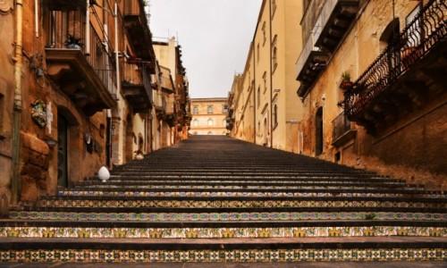 WłOCHY / Sycylia / Caltagirone / Kolorowe schody