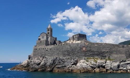 Zdjęcie WłOCHY / Liguria / Zatoka Poetów -Portovenere, kościół św. Piotra / Na skale