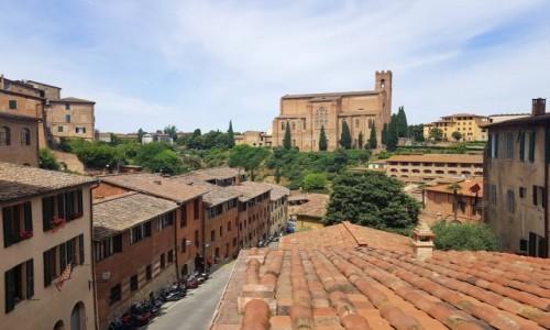 Zdjecie WłOCHY / Toskania / Siena, w głębi bazylika San Domenico / Panorama Sieny