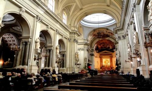 WłOCHY / Sycylia / Palermo / Wnętrze katedry w Palermo.
