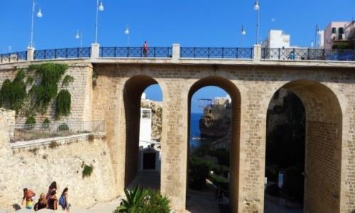 Zdjęcie WłOCHY / Apulia / Polignano a Mare / wiadukt