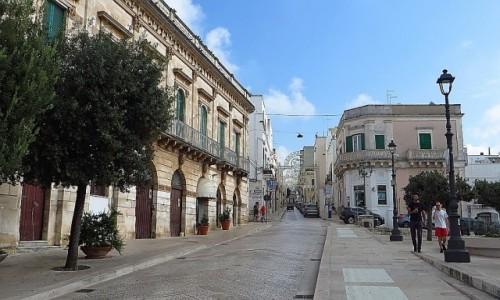 Zdjecie WłOCHY / Apulia / Locorotondo / centrum miasteczka