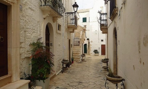 WłOCHY / Apulia / Locorotondo / stare miasto