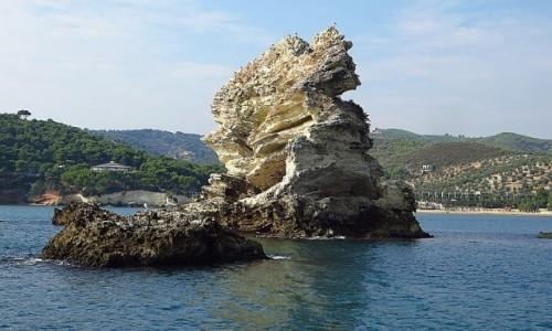 WłOCHY / Apulia / Półwysep Gargano / linia brzegowa