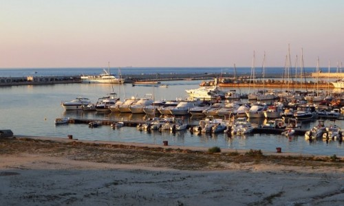 Zdjecie WłOCHY / Apulia / Vieste / marina o zachodzie słońca