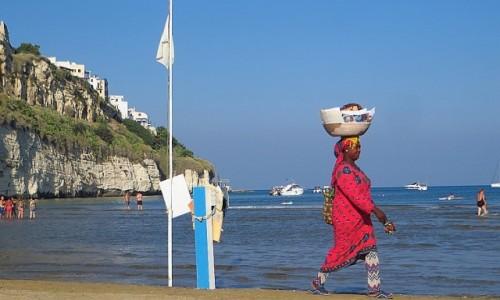 WłOCHY / Apulia / Vieste / plaża w Vieste