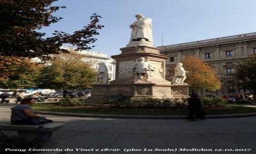 Zdjecie WłOCHY / Lombardia / Mediolan / Posąg Leonarda da Vinci