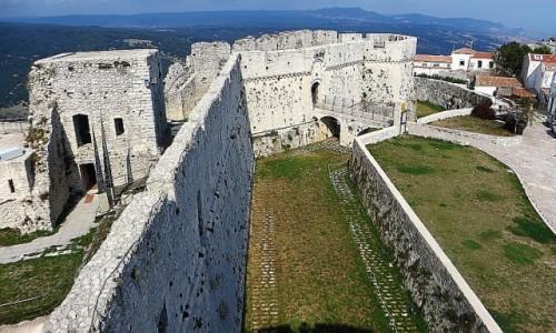 Zdjęcie WłOCHY / Półwysep Gargano / Monte Sant Angelo / zamek normański