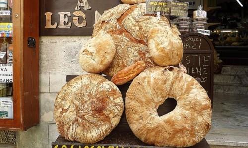 Zdjęcie WłOCHY / Półwysep Gargano / Monte Sant Angelo / nasz chleb powszedni