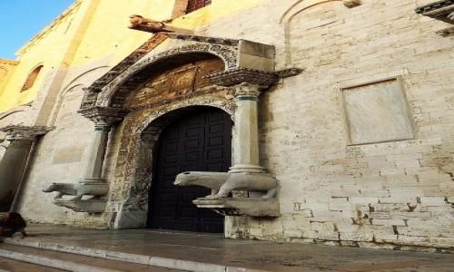 Zdjecie WłOCHY / Apulia / Bari / bazylika św. Mikołaja - portal