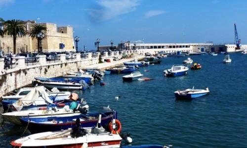 Zdjęcie WłOCHY / Apulia / Bari / widok na przystań rybacką