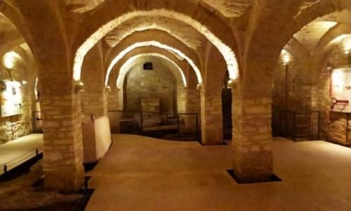 Zdjecie WłOCHY / Apulia / Bari / Museo del Succorpo della Cattedrale - romański kościół z XI wieku