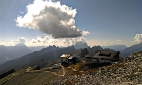 WłOCHY / Dolomity /  schronisko Rifugio Lagazoui / w Dolomitach