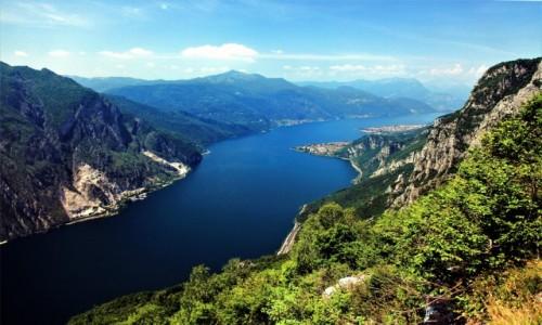 Zdjecie WłOCHY /  Lecco / Góra San Martino / Widok na Abbadia Lariana i Mandello del Lario