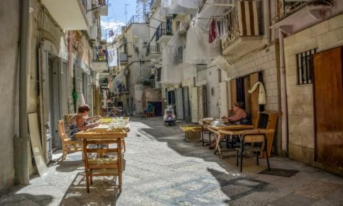 Zdjecie WłOCHY / Apulia / Bari / produkcja  conchiglioni