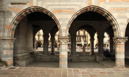 Zdjecie WłOCHY / Lombardia / Como  / Podcienia
