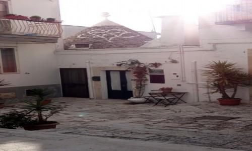 Zdjecie WłOCHY / Puglia / Alberobello / Zaułek II