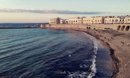 Zdjecie WłOCHY / Puglia  / Gallipoli  / Widok na plażę w Gallipoli