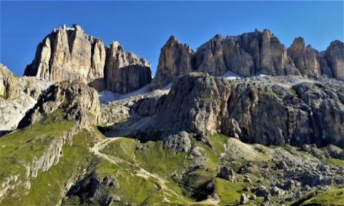 WłOCHY / alpy /  w drodze na Piz Boe / Dolomity