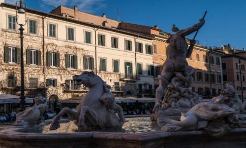 Zdjecie WłOCHY / Lacjum / Rzym / konie narowiste