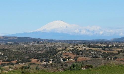 Zdjecie WłOCHY / Sycylia / Cavagrande del Cassibile / Etna nad Sycylią