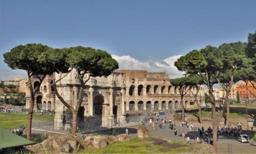 WłOCHY / Lazio / Rzym / Rzym, okolice koloseum