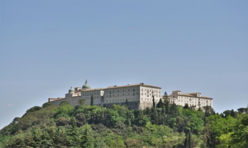 Zdjecie WłOCHY / Doliną rzeki Liri / Monte Cassino / Monte Cassino, klasztor