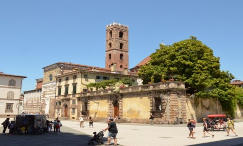 WłOCHY / Toskania / Lukka / Piazza di San Martino
