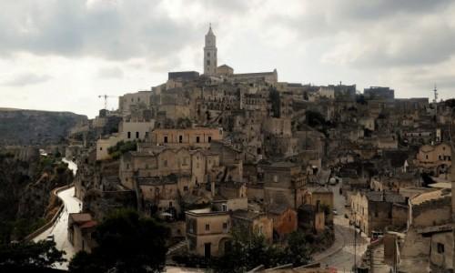 Zdjecie WłOCHY / Bazylikata / Sasso Barisano obok klasztoru Sant Agostino / Matera - stare miasto nad skalnym miastem sassi