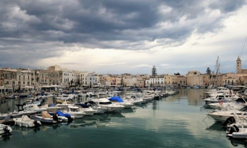 Zdjecie WłOCHY / Apulia / Marina / Przed zmierzchem w Trani