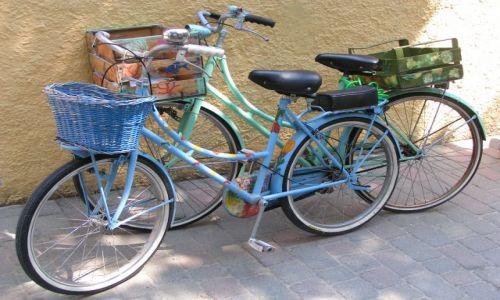 Zdjecie WłOCHY / brak / Elba / nawet rowery sa kolorowe :)