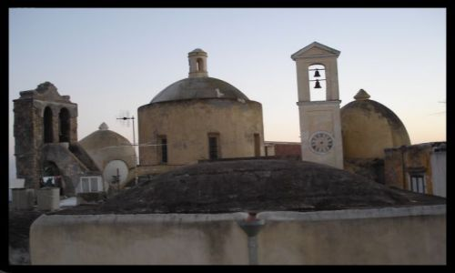 Zdjecie WłOCHY / campania / isola di procida / na dachu..