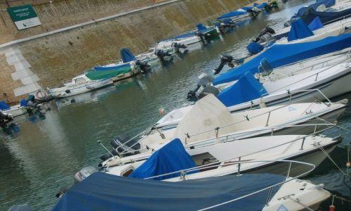 Zdjęcie WłOCHY / wybrzeże Adriatyku / Ancona / Łódki