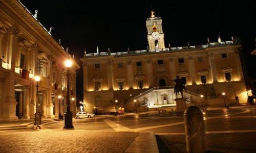 Zdjecie WłOCHY / brak / ROMA / Nocą to miasto też ładnie wygląda
