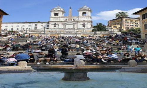 Zdjęcie WłOCHY / Lazio / Rzym/Schody Hiszpańskie / Rozejść się, będę lał wodę :-)