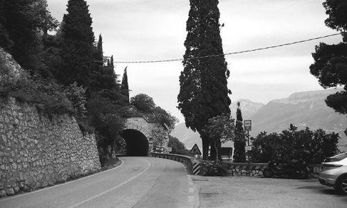 WłOCHY / Jezioro Garda / Jezioro Garda - zachodnia strona jeziora / Jezioro Garda - Włochy