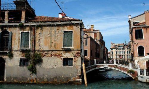Zdjecie WłOCHY / Wenecja / Wenecja / Walacy sie dom