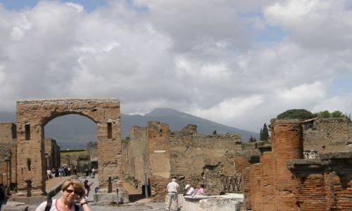 Zdjecie WłOCHY / płd Włochy / pośród ruin / Pompeje...miasto umarłe