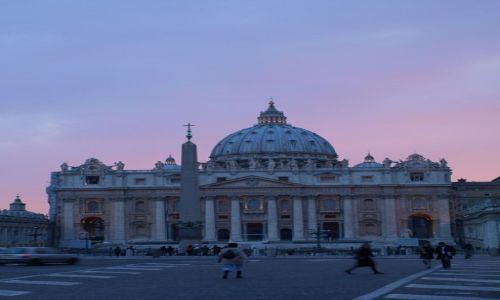 Zdjecie WłOCHY / Watykan / Bazylika Św.Piotra / Słońce zaczęło zachodzić