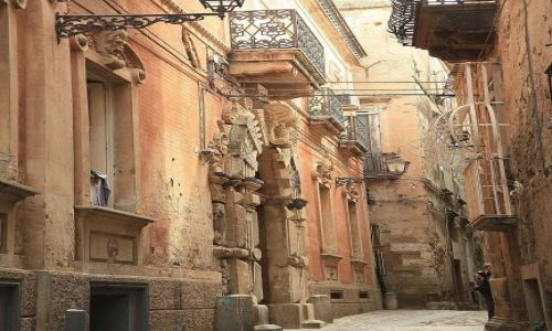 Zdjecie WłOCHY / południowo-zachodnia Kalabria / uliczki starej Tropei / Calabria - Tropea