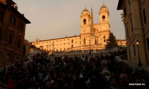 WłOCHY / brak / Rzym / Rzym tłumy na Schodach Hiszpańskich
